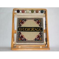 Büyük Tezgah İsimli Minyatür Halı Dokuması 34 x 38 cm